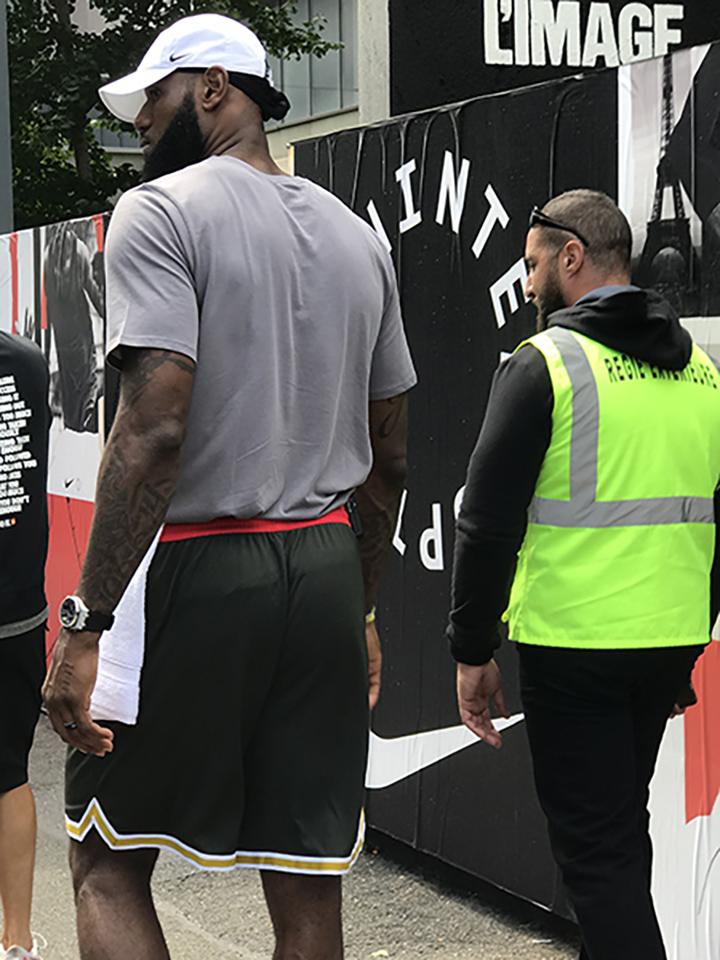 ventousage et regie exterieure pour la tournée Nike - Lebron James