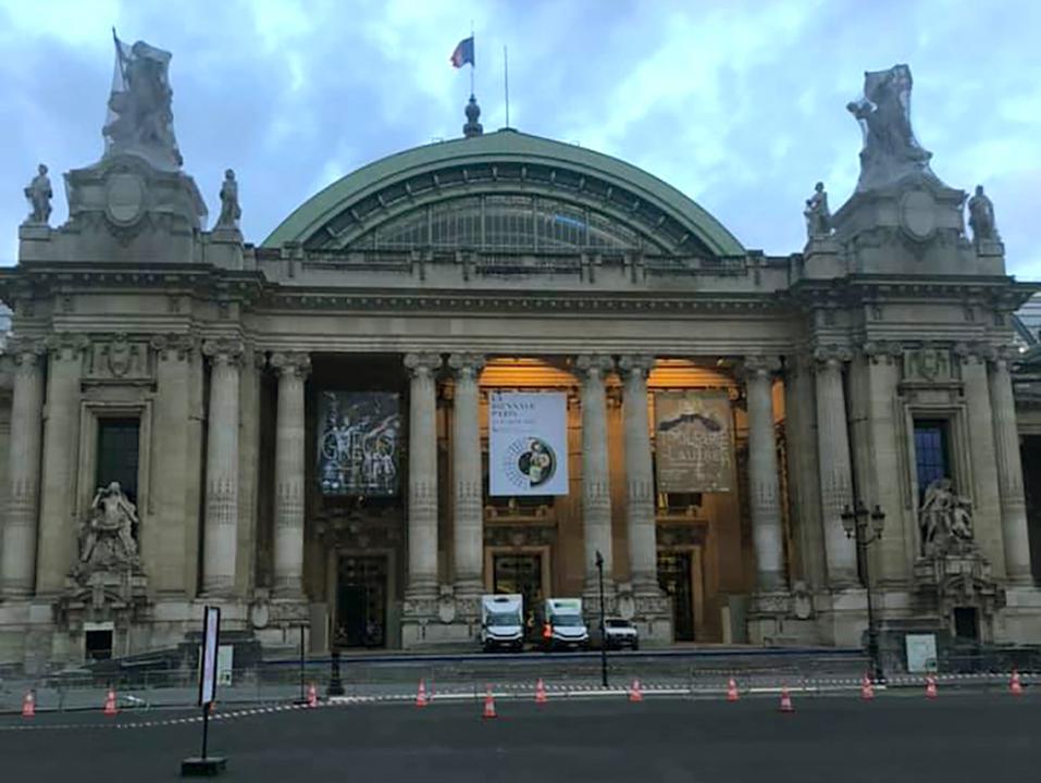 ventousage pour l'installation de la Biennale Paris 2019